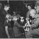 Josef a Jiřina Skupovi s londýnskými dětmi v zákulisí, zájezd do Anglie, 1947
