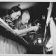 Jiřina Skupová a Josef Skupa hrající na ochozu, 1945