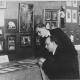 Josef Skupa a jeho žák Jiří Trnka v Loutkářské výstavě v expozici Loutkového divadla Feriálních osad, Praha, 1929